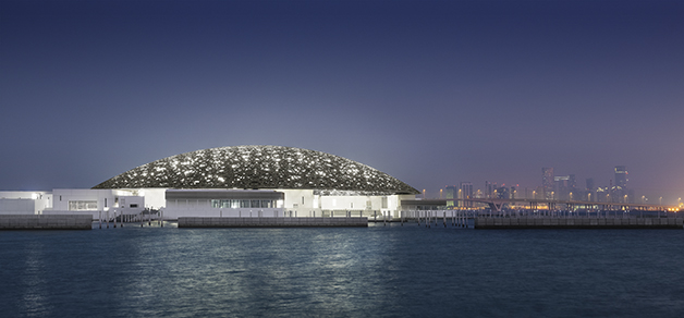 Louvre with Abu Dhabiís skyline (night) © Louvre Abu Dhabi, Mohamed Somji