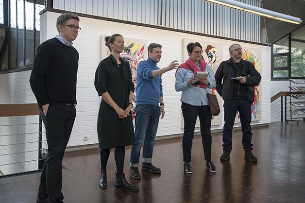 Sebastian Heiner im Gespräch mit den Kuratoren und der Presse