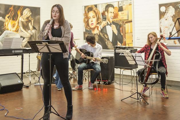 Auftritt der John Lennon Band des Friedrichs Gymnasiums