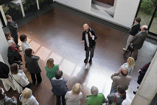 Jens Hausmann mit seinen zahlreichen Besuchern
