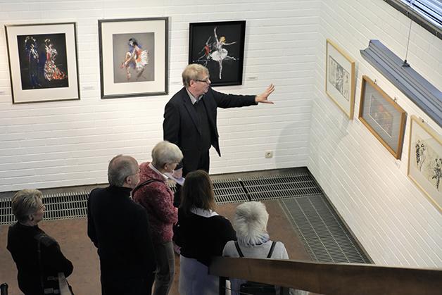 Matthias Heiner im Dialog mit den Bildern