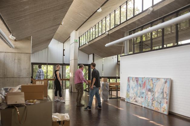 Beim Aufbau einer Ausstellung