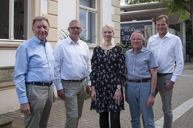 Der Vorstand des Kunstvereins von links nach rechts: Peter Mausolf, Klaus Oehler, Sarah Heitkemper, Dr. Friedbert Kretschmer, Henning Schlatmeier