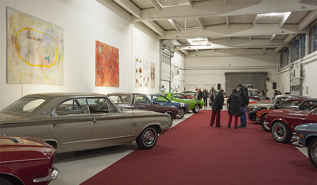 Die Austellungshalle des House of Classic Cars