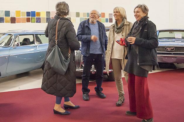 Die Künstlerin Gisela Wäschle (rechts)